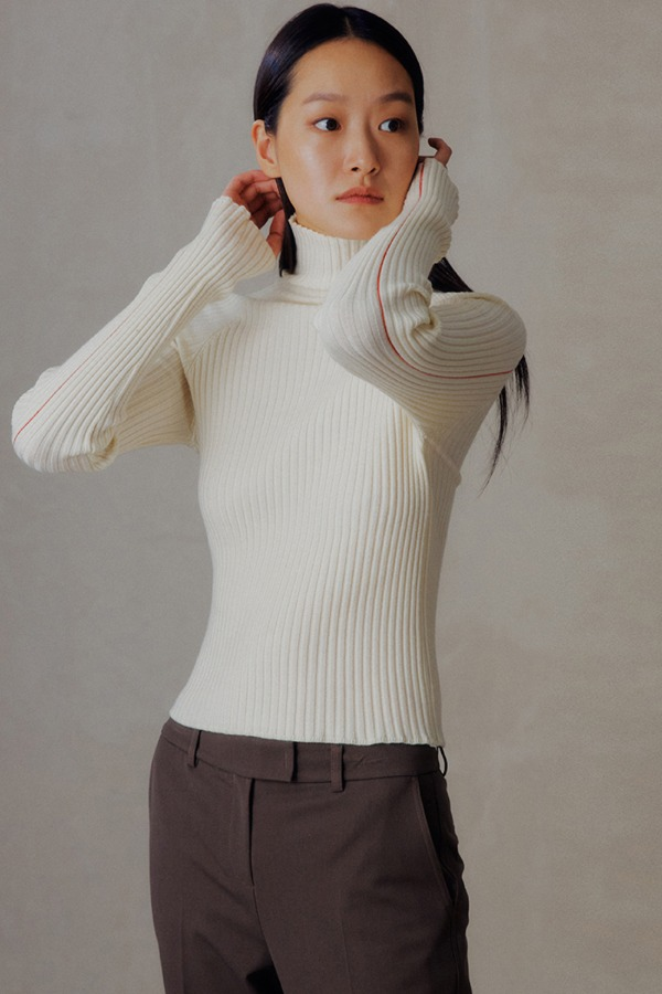 LINE TURTLENECK KNIT_IVORY