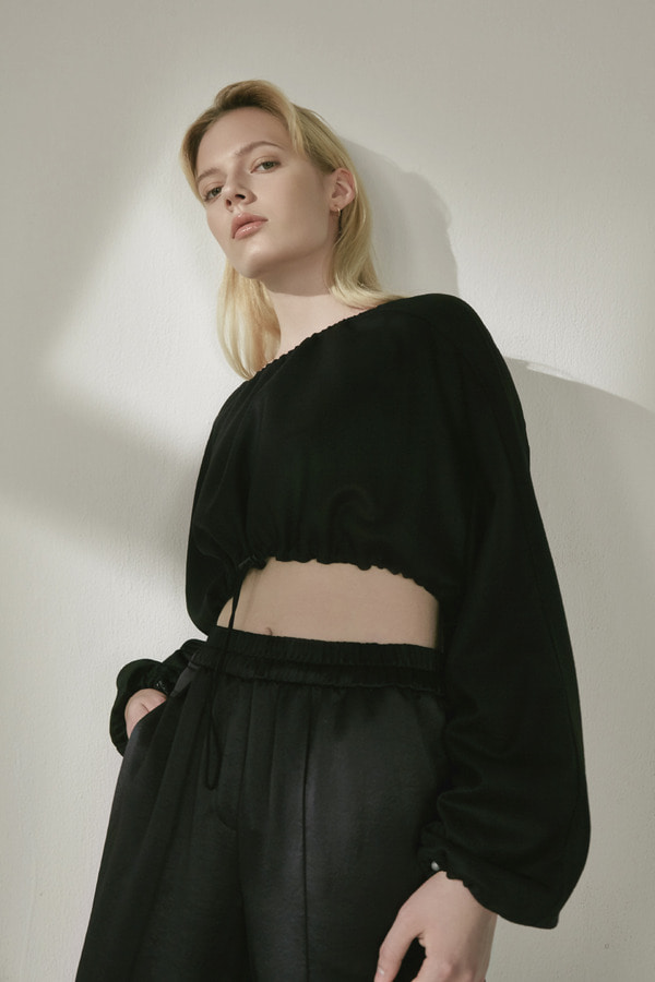 WOOL CROP TOP BLOUSE :BLACK