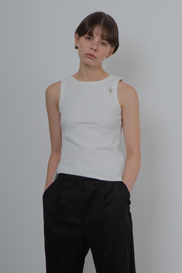 BALANCE SLEEVELESS_WHITE