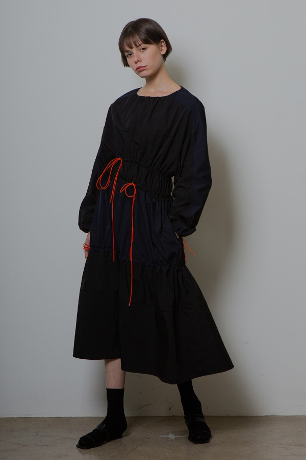 STRING SHIRRING ONE-PIECE_BLACK/NAVY